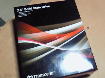 TS64GSSD25-Mパッケージ正面